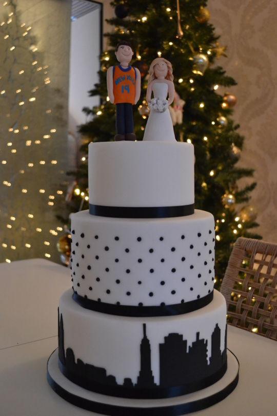 Wedding Cakes New York  New York Themed Wedding Cake cake by Rachel Nickson