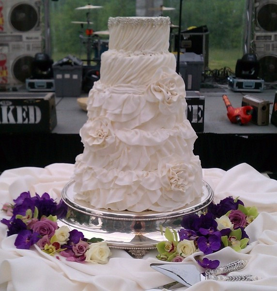 Wedding Cakes Northern Ky  IncrEdible Endings Florence KY Wedding Cake