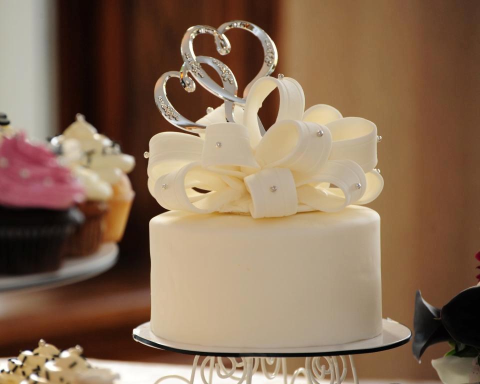 Wedding Cakes Ontario California  Simply Yummy Bakery – Aurora tario