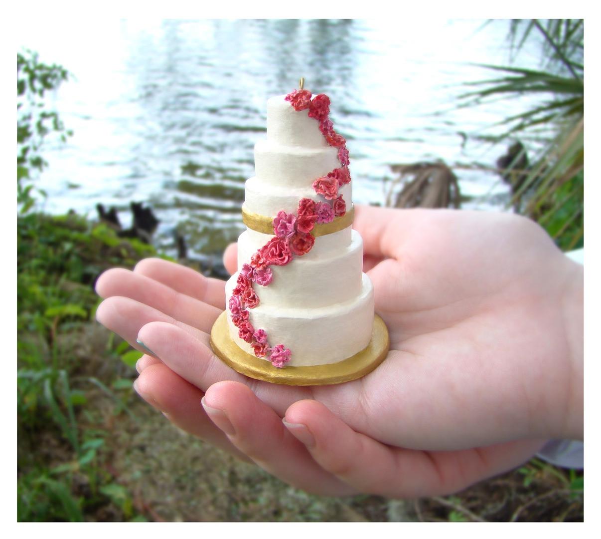 Wedding Cakes Ornaments  Wedding Wednesday Miniature Wedding Cake Replica
