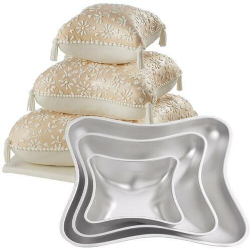 Wedding Cakes Pans  New Wilton 3 TIERED PILLOW WEDDING CAKE PAN SET 4 Piece in