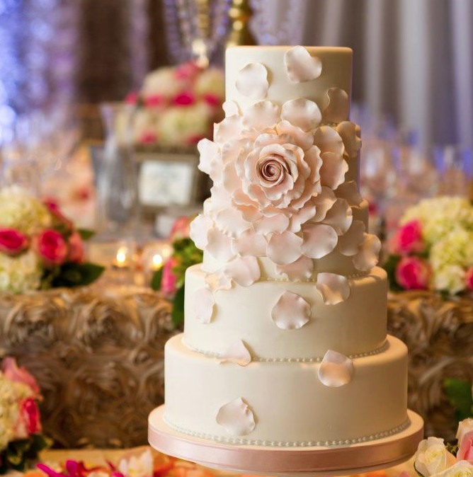 Wedding Cakes Photography  30 Most Luxurious Wedding Cakes You Will Love MODwedding