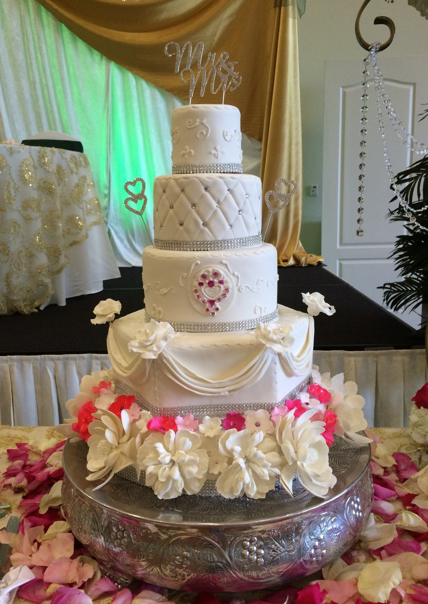 Wedding Cakes Pics  Cakes by Lara Wedding Cake Boynton Beach FL WeddingWire