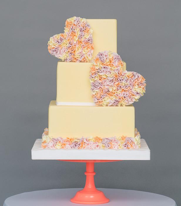 Wedding Cakes Pictures 2016  Wedding cake trends 2016 6