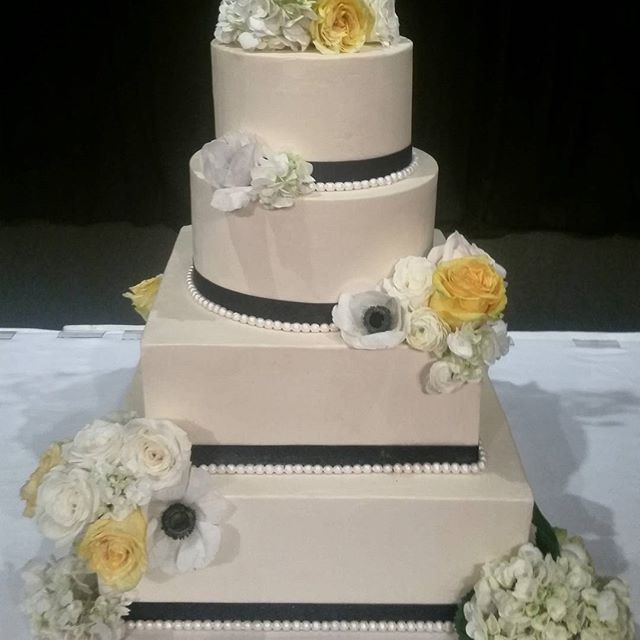 Wedding Cakes Portland  Wedding Cakes Gallery Laurie Clarke Cakes