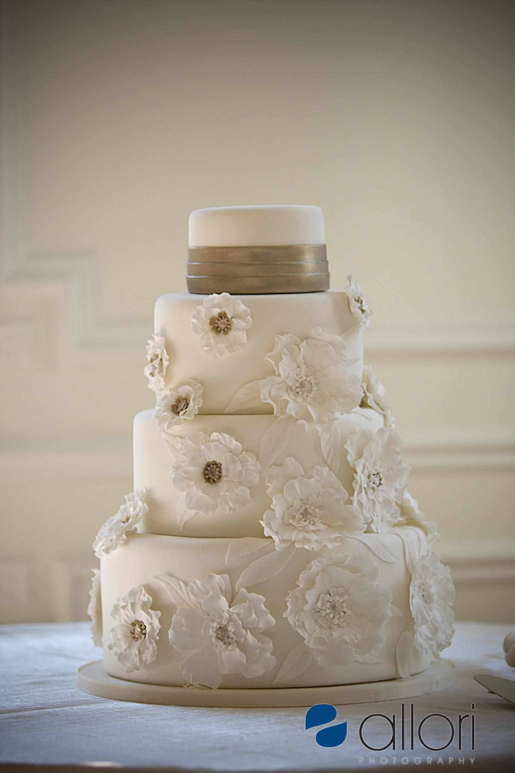 Wedding Cakes Prices Chicago  Chicago wedding cakes idea in 2017