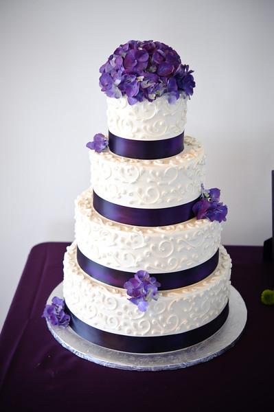 Wedding Cakes Purple And White  13 Purple & White Wedding Cake Significant Events of