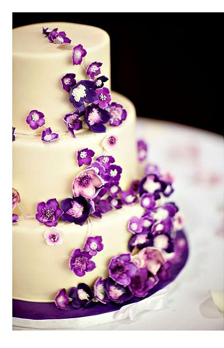 Wedding Cakes Purple Flowers  Izzycakes' Creations – IzzyCakes Classes & Techniques