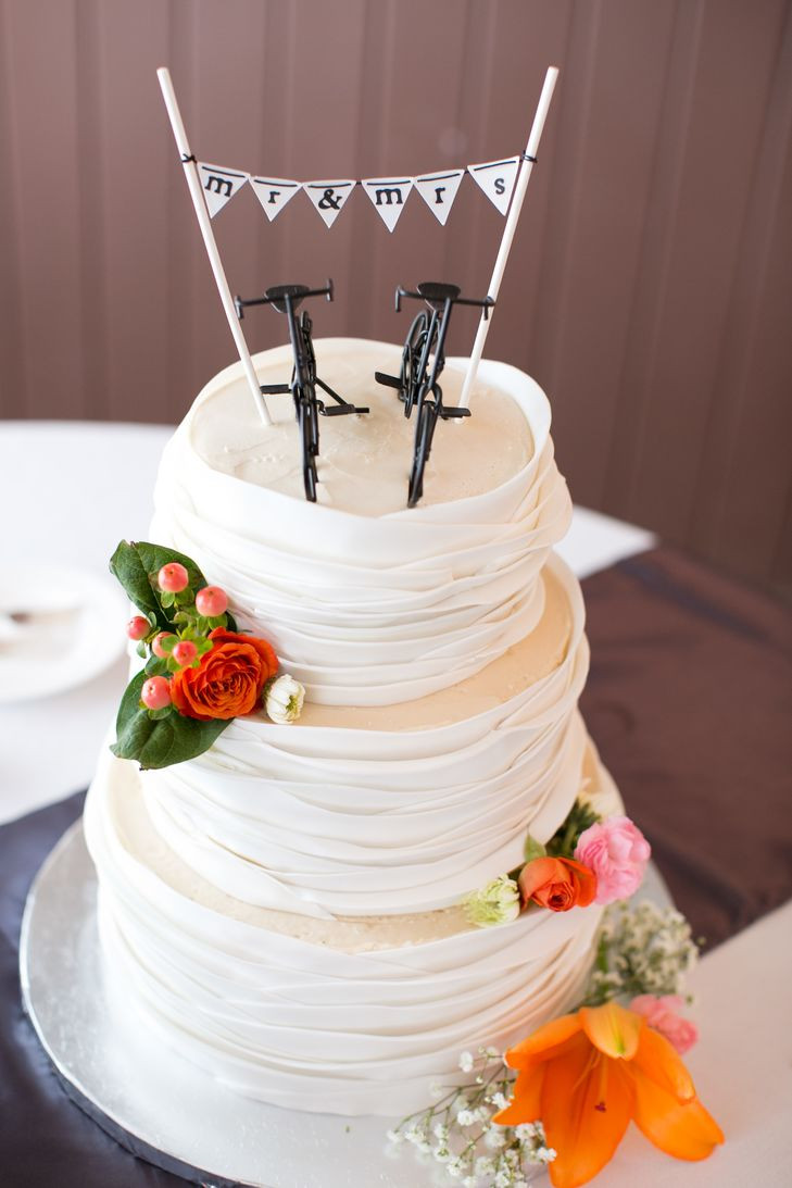 Wedding Cakes Rapid City Sd  A Bright and Elegant Wedding at Black Hills Receptions in
