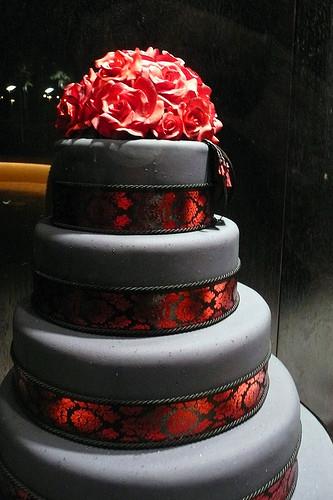 Wedding Cakes Red And Black  Wedding Tidbits Gothic Wedding Theme Ideas 101