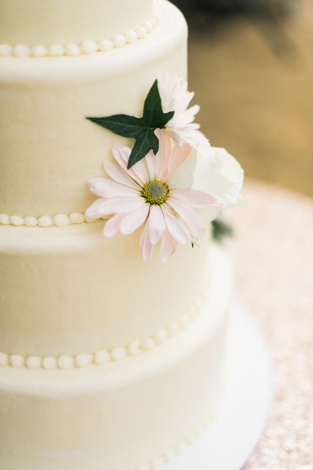 Wedding Cakes Redding Ca  Northern California Wedding Palo Cedro