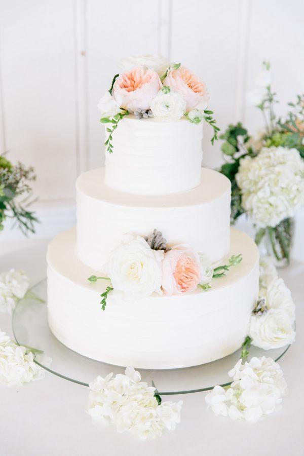 Wedding Cakes Rhode Island  Elegant Rhode Island Coast Wedding