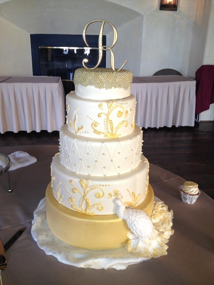 Wedding Cakes Rhode Island  A Piece of Cake LLC Wedding Cake Rhode Island
