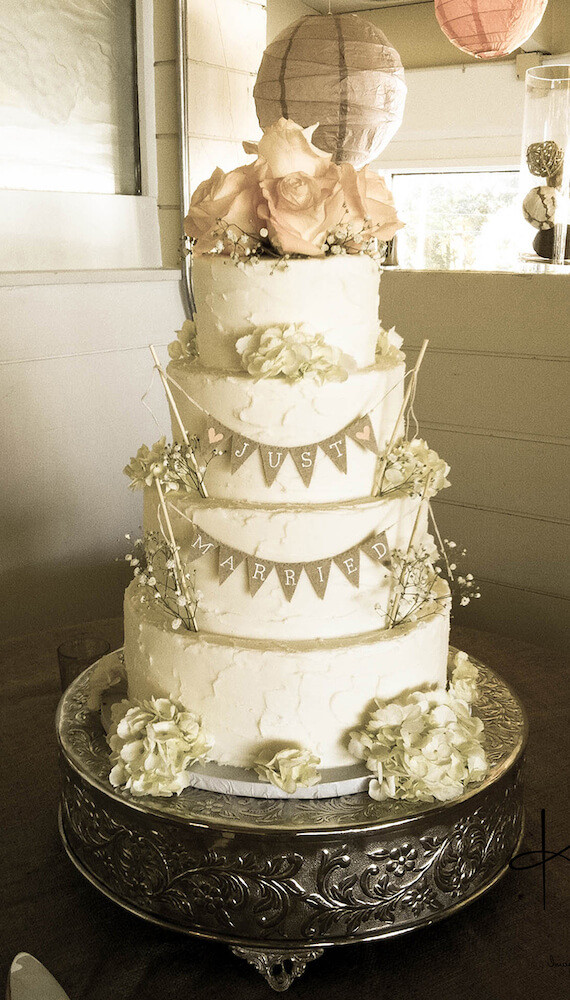 Wedding Cakes Richmond Va  Incredible Edibles Bakery Wedding Cakes and Sweets for
