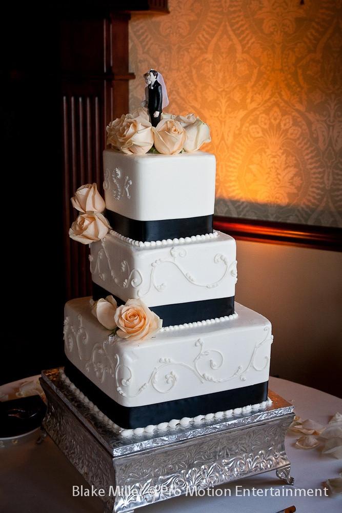 Wedding Cakes San Diego  San go wedding cake idea in 2017