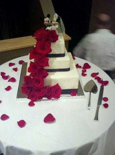 Wedding Cakes San Luis Obispo  HoneyBee Cakery Wedding Cake San Luis Obispo CA