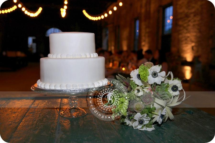 Wedding Cakes Savannah Ga  A Wedding at The Savannah Roundhouse Museum Savannah