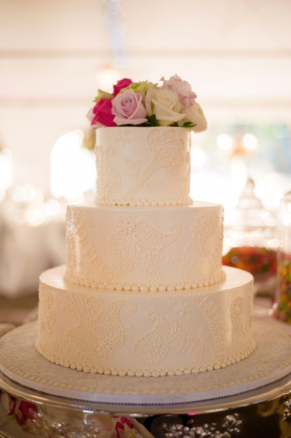 Wedding Cakes Scottsdale  Rustic Scottsdale Plaza Resort Arizona Real Wedding