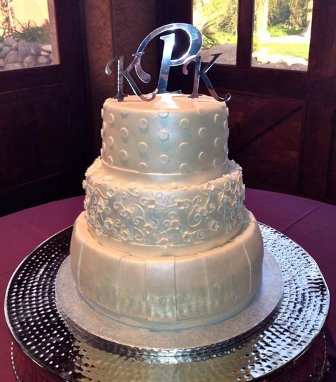 Wedding Cakes Scottsdale  Cuteology Cakes Wedding Cake Scottsdale AZ WeddingWire