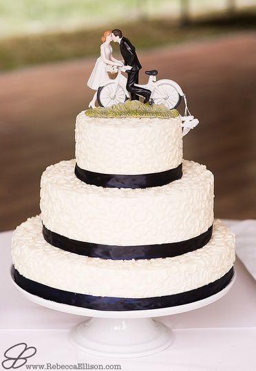 Wedding Cakes Seattle  Nuflours Bakery Wedding Cake Seattle WA WeddingWire