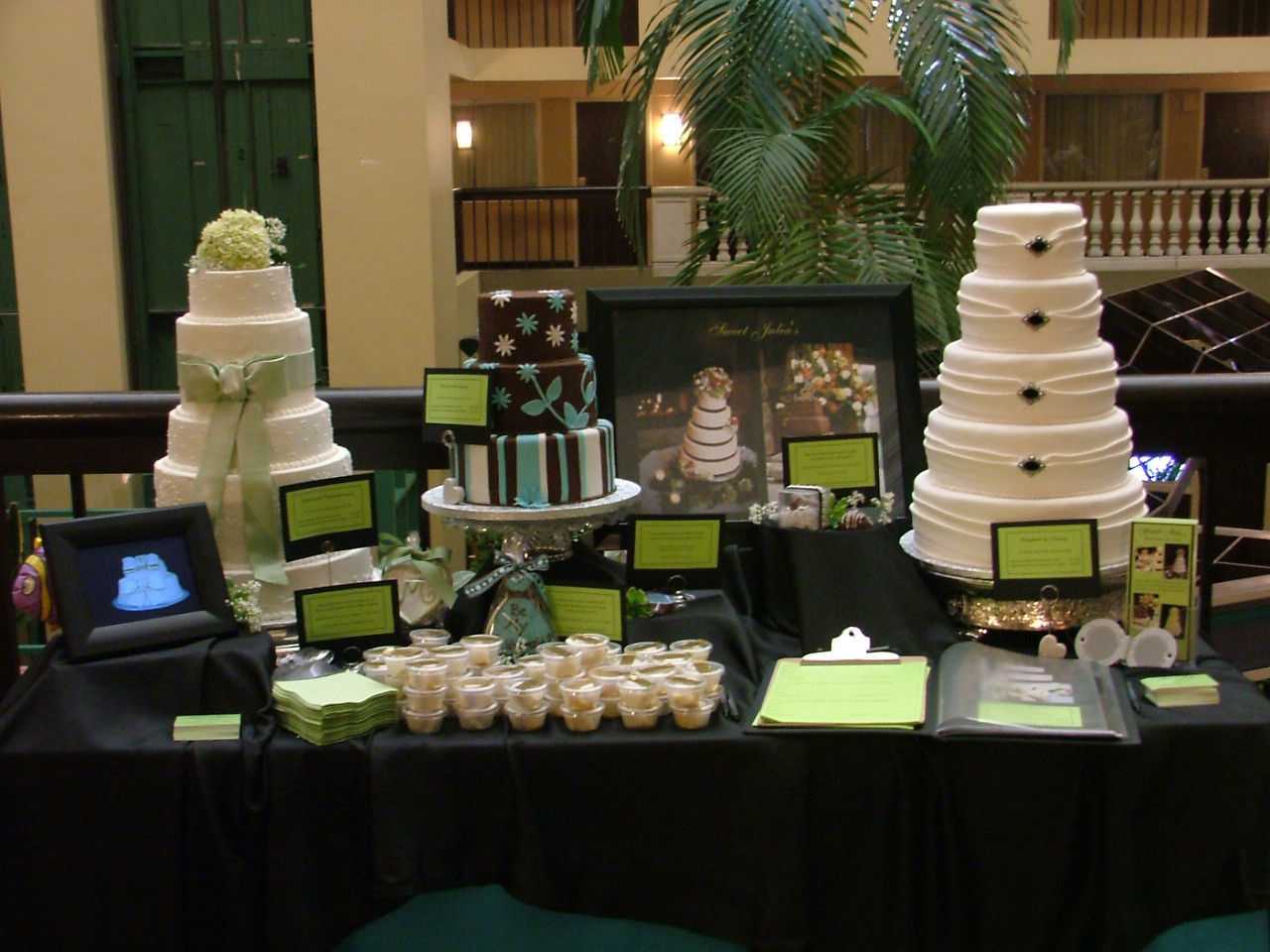 Wedding Cakes Show  embassy suites bridal show booth