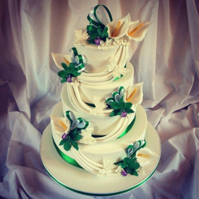 Wedding Cakes Singapore  Singapore Orchid and Calla Lily Wedding Cake Cake by Dee