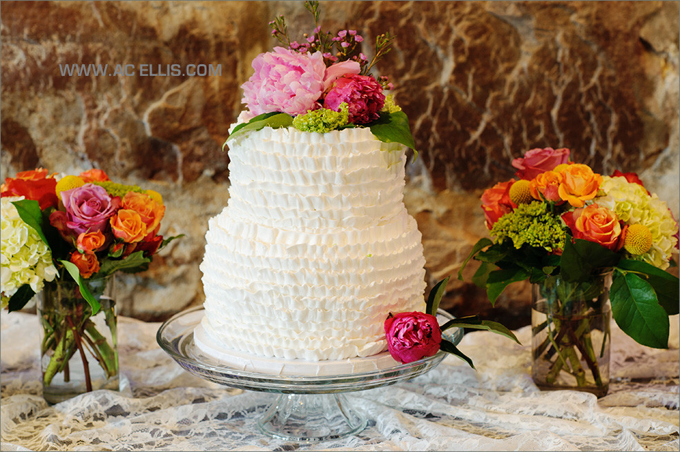 Wedding Cakes Sioux Falls  Leigh and Alex's Sioux Falls Ruffle Wedding Cake The