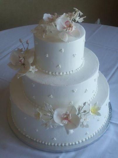 Wedding Cakes Sioux Falls  QT Cakes Wedding Cake Sioux Falls SD WeddingWire