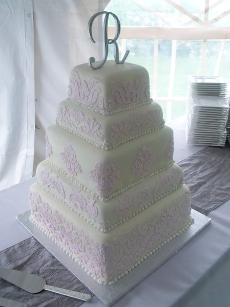 Wedding Cakes Sioux Falls  Pin Qt Cakes Sioux Falls Wedding Cake Cake on Pinterest