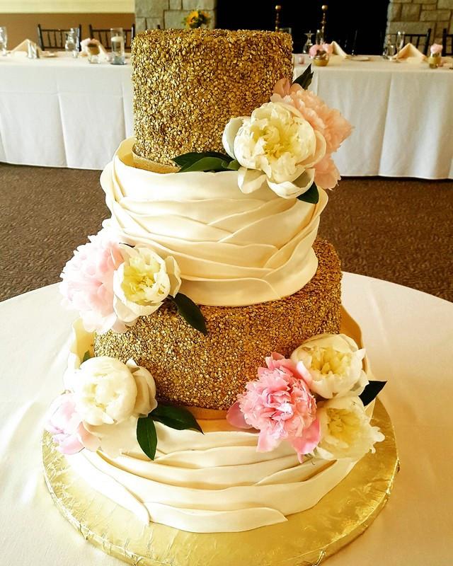 Wedding Cakes South Bend  South Bend Wedding Cakes Cest La Vie Cakes Wedding Cake