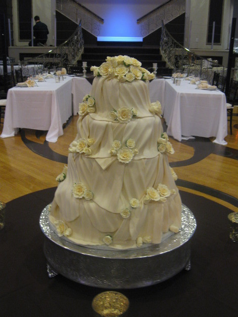 Wedding Cakes South Bend  C est La Vie Cakes Best Wedding Cake in South Bend