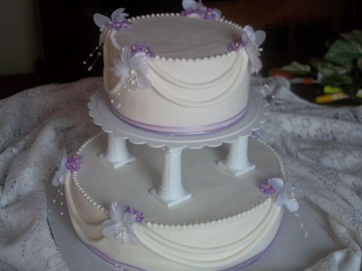 Wedding Cakes Spokane Wa  Laurinda s Bakery Wedding Cake Spokane WA WeddingWire