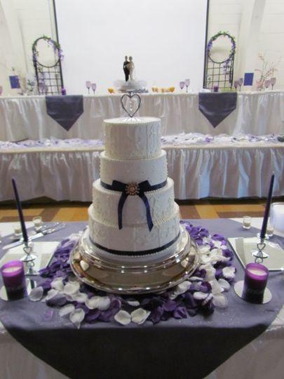 Wedding Cakes Springfield Il  cakes by lori Wedding Cake Champaign IL WeddingWire