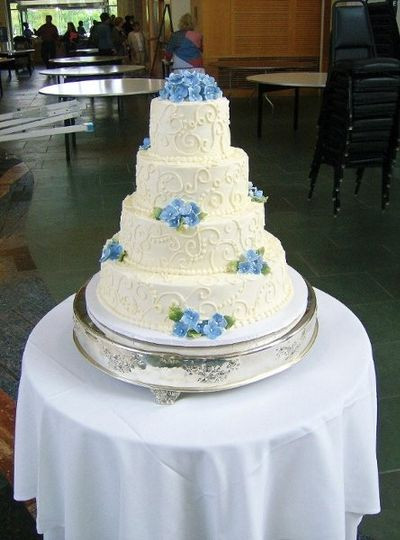 Wedding Cakes St Louis Mo  Lubeley s Bakery and Deli Wedding Cake Saint Louis MO