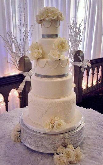 Wedding Cakes St Louis Mo  The Sweet Divine Wedding Cake Saint Louis MO