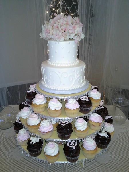 Wedding Cakes St Petersburg Fl  Cupcake And Two Tier Wedding Cak Saint