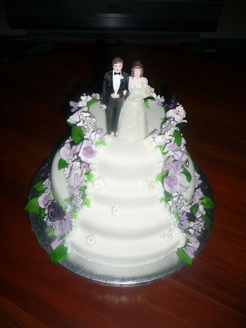 Wedding Cakes Stairs  Gail s Creations Wedding Cakes