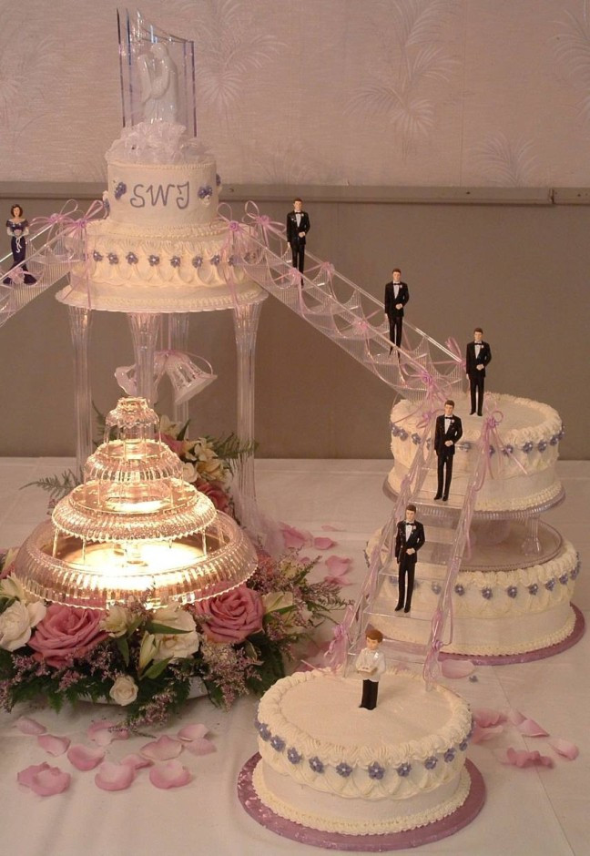 Wedding Cakes Stairs  Wedding cake stairs idea in 2017