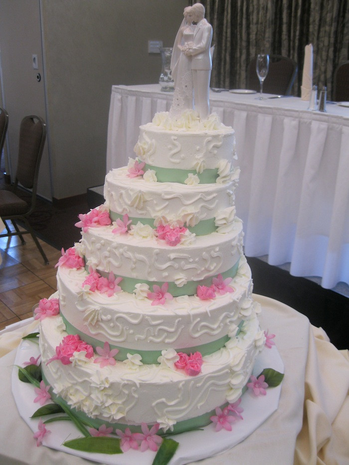 Wedding Cakes Stairs  Wedding cakes with stairs idea in 2017