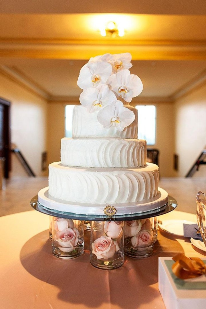 Wedding Cakes Stands  30 Most Creative and Pretty Wedding Cakes MODwedding