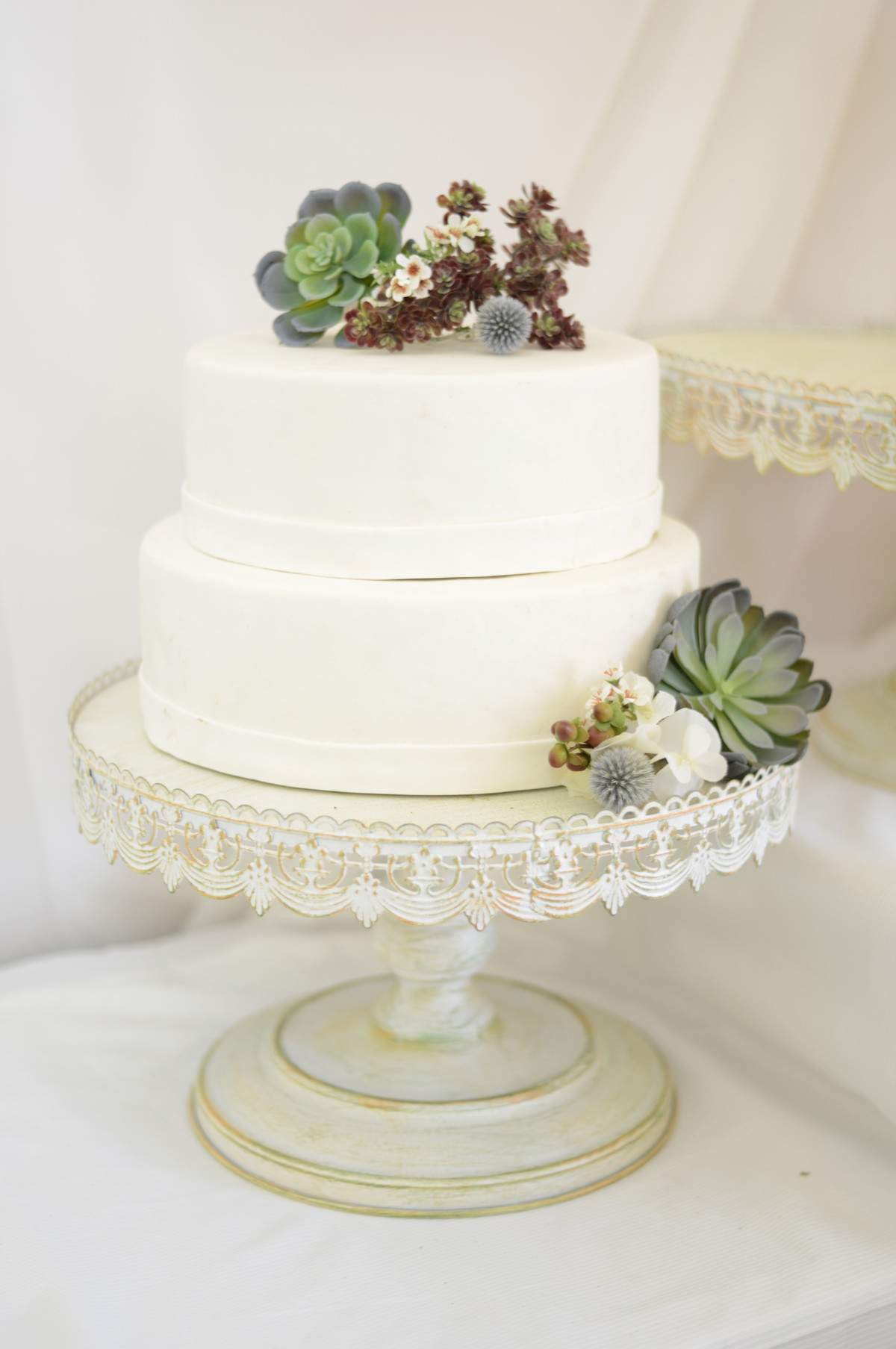 Wedding Cakes Stands  Wedding cake stands 10 tips by choosing idea in 2017
