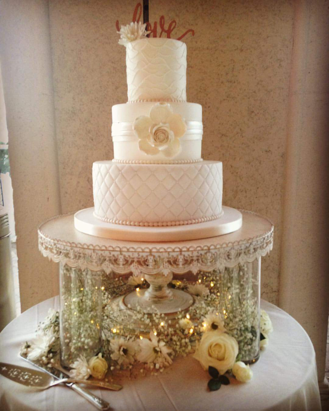 Wedding Cakes Stands  65 Irresistible Wedding Cake Stands To Swear