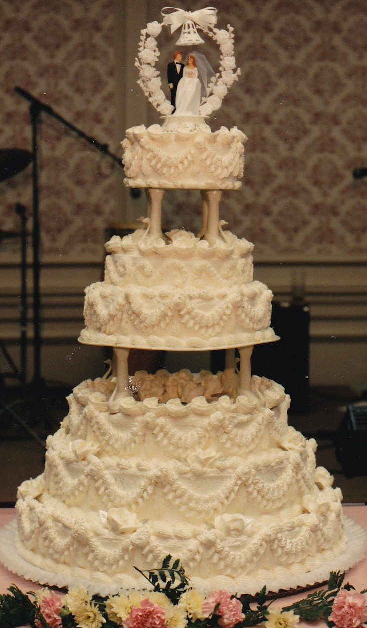 Wedding Cakes Style  Haegele s Bakery Philadelphia German Bakery Weddings