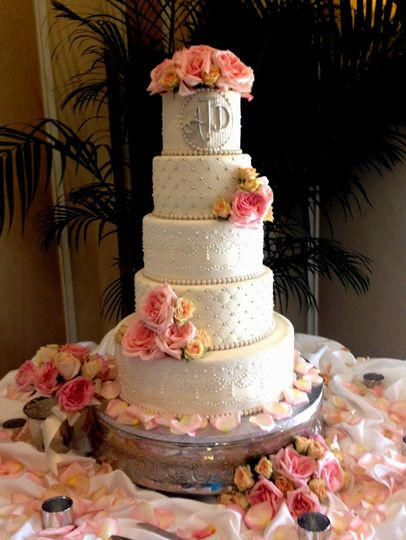 Wedding Cakes Tampa  The Cake Zone Rated top 3 Florida s Best Bakeries