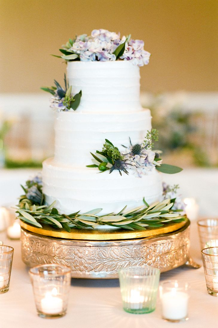 Wedding Cakes Three Tier  Three Tier bed Buttercream Wedding Cake