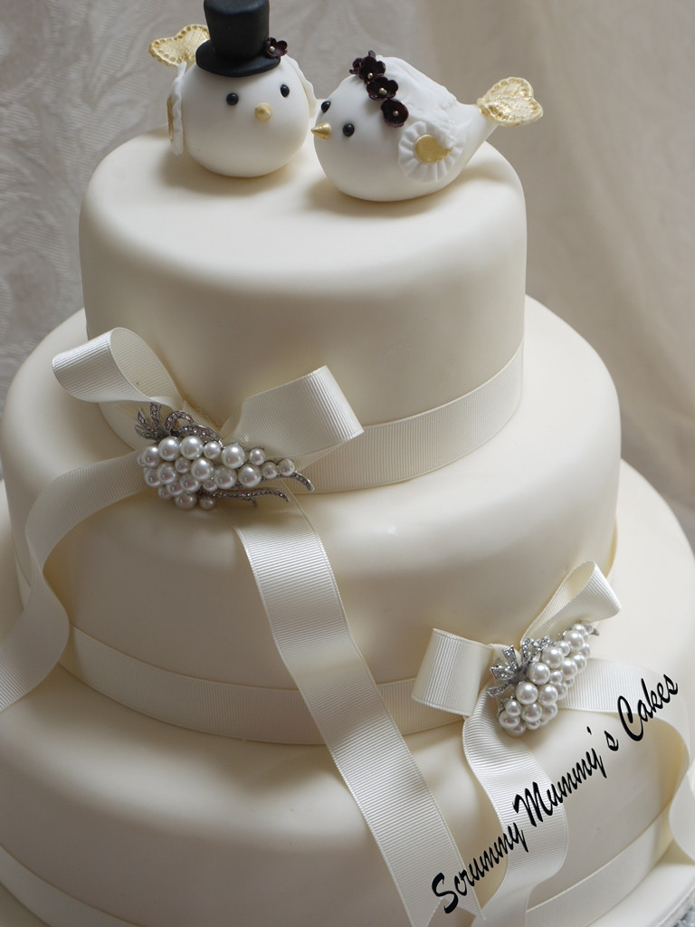 Wedding Cakes Three Tiers  Scrummy Mummy s Cakes Lovebirds 3 Tier Wedding Cake