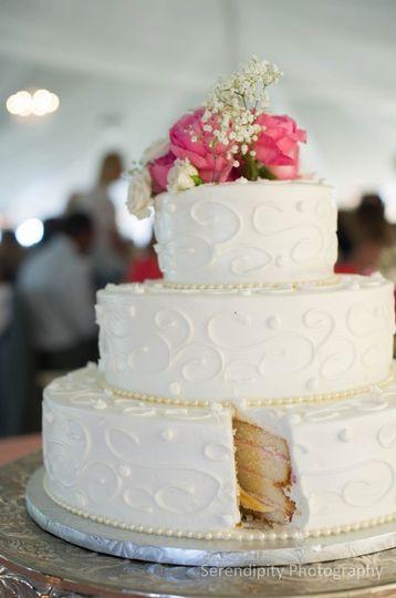 Wedding Cakes Toledo  Eston s Gourmet Creations Wedding Cake Toledo OH