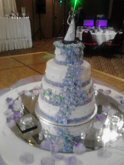 Wedding Cakes Toledo  Sharon s Sweet Creations Wedding Cake Toledo OH