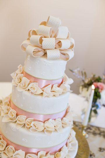 Wedding Cakes Toledo  So Sweet Lebanese & French Pastries Wedding Cake