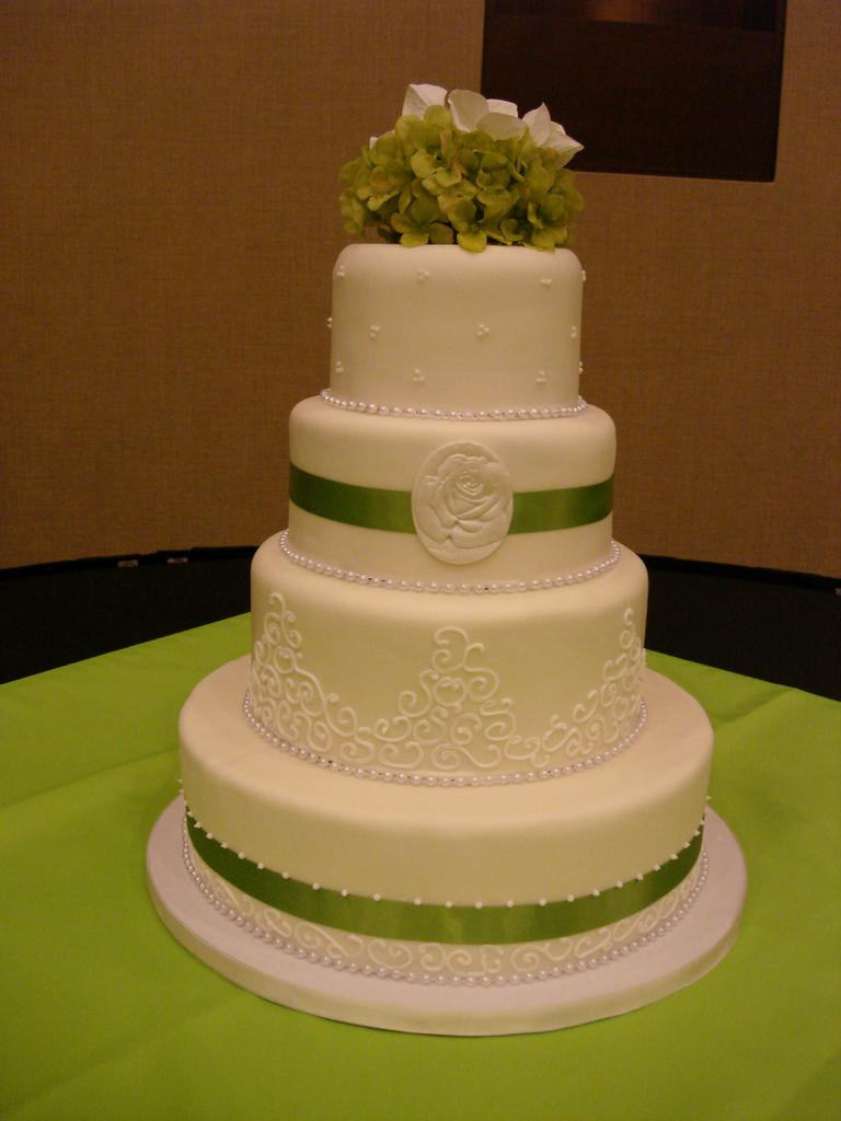 Wedding Cakes Topeka Ks  Lime green wedding cake